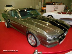 Shelby GT500 1967 Eleanor right-front