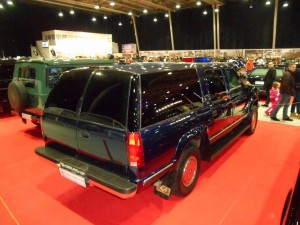Chevrolet Suburban K2500 rear-right