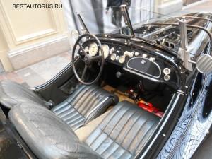 BMW 328 inside