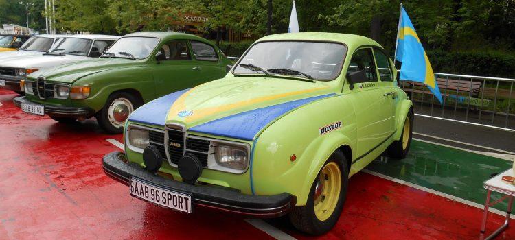 Редкие модели автомобилей SAAB на выставке «RetroFest».
