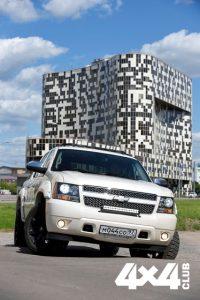 Пятидверный седан — Chevrolet Avalanche