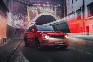 Тест-драйв Bentley Bentayga V8, проведённый изданием «Motor».