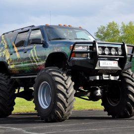 Chevrolet Suburban BigFoot