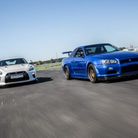 Nissan GT-R против Skyline GT-R R34V-spec.