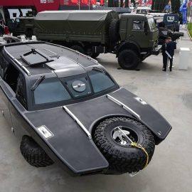 Разведывательно-дозорный автомобиль-амфибия «Дрозд».