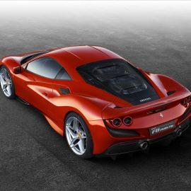 В Россию приехали новинки Ferrari Roma и Ferrari F8